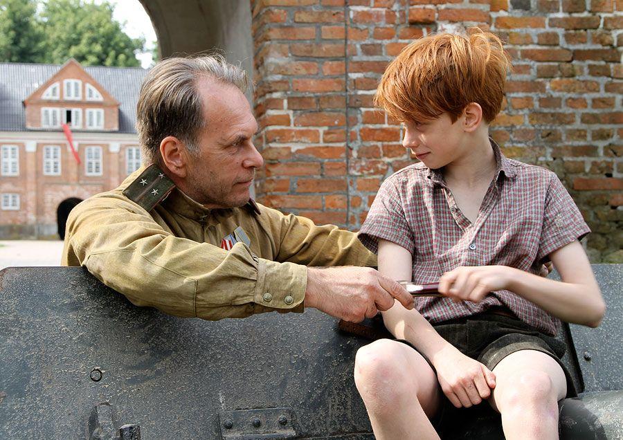 Смотреть фильм четыре дня в мае 2012  бесплатно