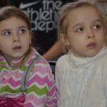 """""""В огороде нашей школы"""": Елена Игнатовская презентовала книгу маленьким барнаульцам"""